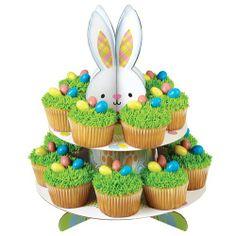 Presenteer deze Pasen je cupcakes, gebakjes, cakes, desserts of andere lekkernijen op deze vrolijke treat stand van Wilton.