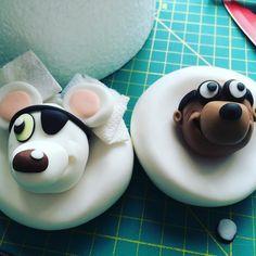 A common sight at Really Yummy HQ....Heads waiting for their bodies....  #reallyyummycakes #cakedesigner #bespokecakes #hampshirecakes #winchestercakes #cakes #dangermouse #penfold #kidscakes