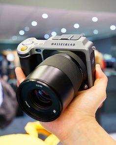 Day 2 of Photokina has begun. Stay tuned for more news and pictures!  #photokina #photokina2016 #hasselblad #hasselbladx1d #x1d #hasselbladdigital #hasselbladphotography #mediumformat #mirrorless #camera #mirrorlesscamera #cameraporn #mediumformatcamera #mediumformatdigital #mediumformatphotography #hasselbladcamera #hasselbladfeatures #photonews #phototest #photoreview #photogear #ThePhotoGear
