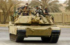 US Marines hitching a ride on a Iraq. Military Memes, Military Photos, M1 Abrams, Battle Tank, Us Marines, Marine Corps, Marine Mom, Us Army, Usmc