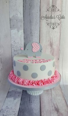 Elephant baby shower cake by Aurelia's Cake Elefantenbaby-Duschtorte von Aurelia's Cake Torta Baby Shower, Tortas Baby Shower Niña, Baby Girl Shower Themes, Girl Baby Shower Decorations, Baby Boy Shower, Baby Shower Cake For Girls, Elephant Baby Shower Cake, Elephant Cakes, Baby Cakes