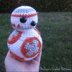 BB-8 from Star Wars   Friday Feature #9 via @beckastreasures with @melissaspattrns   #crochet