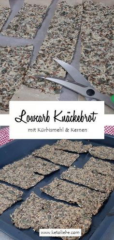 So machst du ein Lowcarb Knäckebrot mit Kürbis – das schmeckt jedem  #LowcarbKnäckebrot #Kürbis Low Carb High Fat, Easy Peasy, Low Carb Recipes, Good Food, Cooking, Dinner Rolls Recipe, Breakfast Snacks, Savory Foods, Finger Food