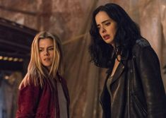 Rachael Taylor as Trish Walker and Krysten Ritter as Jessica Jones in Marvel's Jessica Jones Jessica Jones Trish Walker, Jessica Jones Marvel, Kristin Ritter, Rachael Taylor, Media Matters, You Go Girl, Marvel Cinematic Universe, Cosplay Ideas, White Women