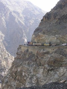 NOPE -- JALALABAD ROAD, AFGHANISTAN:  The bottom of this picture is not anywhere near the Kabul River at the bottom of the canyon.
