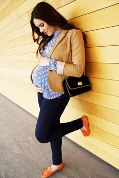 #Maternity outfit - blazer, printed top, dark denim jeans, and loafers.