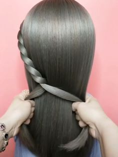 Hair Styles For School Stylish easy hairstyles! Pretty Hairstyles, Girl Hairstyles, Braided Hairstyles, Amazing Hairstyles, Simple Hairstyles, Curly Hair Styles, Natural Hair Styles, Hair Upstyles, Hair Videos