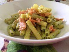pasta con salmone e pesto di zucchine