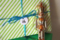 Glitter & Glamour - Fashion, Beauty und Lifestyleblog: Ich bin zu alt für den quatsch...Adventskalender 2...