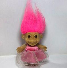 Elena Fariñas. Ourense.  Bajo su percepción el pelo rosa le sienta mejor a la cara. A veces siente miedo con los bucles de Asun.
