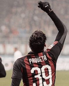 Paquetà dopo il suo gol al Cagliari Ac Milan, Al Ahly Sc, Chelsea, Football Players, Wallpapers, Goals, Iphone, Instagram, Amor