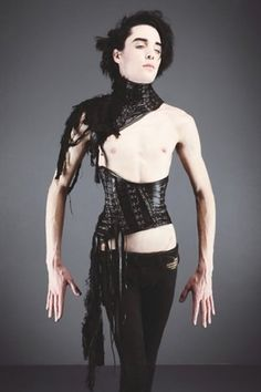 Fetish Boy: Dylan Monroe in custom corset and collar by Mother of London Custom Corsets, Posture Collar, Expensive Clothes, Fetish Fashion, Leather Collar, Dark Fashion, Men's Fashion, London Fashion, American Girl