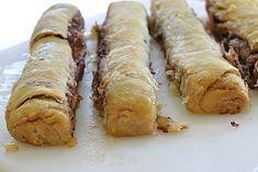 Grandma's Gooey Cinnamon Rolls Pie Crust Cinnamon Rolls, Cinnamon Pie, Cinnamon Roll Muffins, Donut Muffins, Best Breakfast, Breakfast Recipes, Dessert Recipes, Bacon Ranch Potatoes, Almond Bread