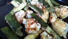 Somon cu sparanghel la cuptor – Retetele-mele.ro Zucchini, Chicken, Meat, Vegetables, Food, Essen, Vegetable Recipes, Meals, Yemek