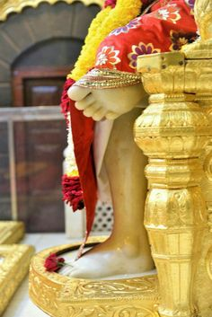 Dhoop aarthi at shirdi today Sai Baba Miracles, Shirdi Sai Baba Wallpapers, Sai Baba Pictures, Om Sai Ram, My One And Only, God Is Good, Faith, Messages, Life