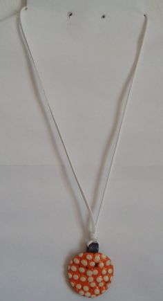 Halsschmuck #Halskette #Schmuckanhänger #Mode #orange Hippie Style, Hippie Mode, Boho, Pendant Necklace, Orange, Art Gallery, Gifts, Jewelry, Awesome