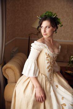 Платье в историческом стиле купить в