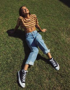 39 Hipster Outfits Trends 2019 To Copy Right Now ~ officee Outfits 90s, Batman Outfits, Punk Rock Outfits, Teenage Outfits, Outfits With Converse, Mode Outfits, Retro Outfits, Fashion Outfits, Fashion Trends