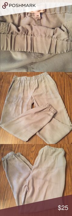 Philosophy Republic cropped pants Casual Mid Rise Waist Great Condition!! Philosophy Pants Ankle & Cropped