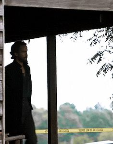 our-destinies-entwined: Sleepy Request: Crane walking off the hillbilly cabin to the well where he sees the foot print? Because hot damn anacondra Mystery Date, Bob Marley, Series Movies, Tv Series, Tom Mison, Horsemen Of The Apocalypse, The Mind's Eye, Headless Horseman, Sleepy Hollow