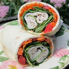 So easy to make, these bite sized wraps filled with turkey, cream cheese and veggies are a great way to fill up an appetizer tray - and your hungry guests' bellies. Healthy Recipe Videos, Super Healthy Recipes, Healthy Dinner Recipes, Snack Recipes, Cooking Recipes, Detox Recipes, Healthy Meals For Two, Healthy Foods To Eat, Healthy Snacks