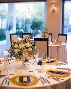 《星・月・夜空e》がテーマ!キラキラ輝く思い出になる「スターウェディング」のアイディア集☆彡 -page2 | Marry Jocee Wedding Night, Table Settings, Tablescapes, Table Decorations, Weddings, Star, Home Decor, Dress, Bodas