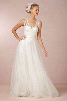 2014 Wedding Dress V Neck Lace Bodice Pick Up Tulle Skirt With Sash Court Train