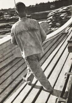 Rodchenko - Sawmill worker, 1930