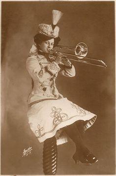 Women with trombone