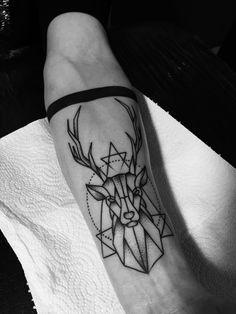 Hirsch Tattoo am Arm Trendy Tattoos, Unique Tattoos, Tattoos For Women, Tattoos For Guys, Symbolic Tattoos, Form Tattoo, Stag Tattoo, Geometric Deer, Geometric Tattoo Design