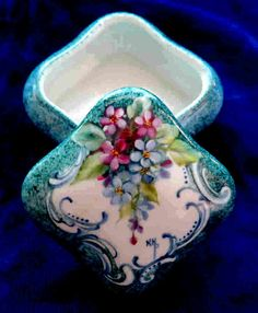 Items similar to Signed Hand Painted Porcelain Ring Trinket Jewelry Gift Box with Forget-Me-Nots and Victorian Border - Can be personalized on Etsy Cold Porcelain, China Porcelain, Porcelain Doll, Painted Porcelain, Pottery Painting, Painted Pottery, Shabby Chic Antiques, Antique Boxes, China Painting
