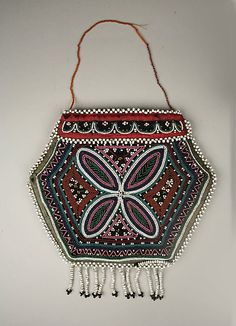 Bag - Canada Micmac or Iroquois Traditional Native American Crafts, Native American Artifacts, Native American History, American Indians, Native Beadwork, Native American Beadwork, Beaded Purses, Beaded Bags, Iroquois