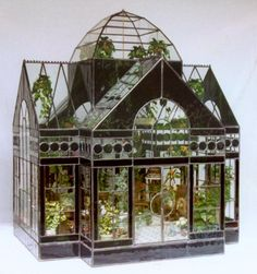 The Great Conservatory ~ a gorgeous glass house terrarium Vitrine Miniature, Miniature Rooms, Miniature Houses, Miniature Gardens, Doll House Miniatures, Mini Houses, Miniature Greenhouse, Greenhouse Plans, Cheap Greenhouse