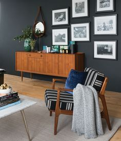 Photographer: André Rider Source: House & Home December 2014 issue Products… Dark Living Rooms, Coastal Living Rooms, Living Room Decor, Dark Rooms, Small Living, Cozy Living, Living Room Color Schemes, Paint Colors For Living Room, Living Room Designs