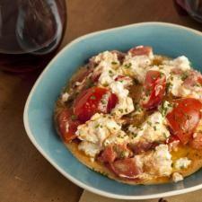 Mini Chèvre and Tomato Tarts | Recipe | Tarts, Tart Recipes and ...