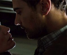 Theo James Making out