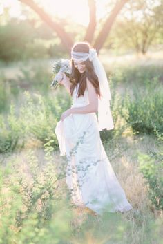 Magic hour - sun gilded styled bohemian bridal portraits from Rachel Solomon Photography. A fine art portrait session for sweet newlyweds! Bohemian Wedding Theme, Bohemian Wedding Inspiration, Bohemian Bride, Bohemian Wedding Dresses, Bohemian Weddings, Indian Weddings, Fashion Inspiration, Bridal Photoshoot, Bridal Photography