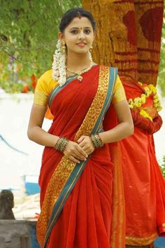 Preethi Asrani September is an Indian actress. She is the daughter of famous Telugu actress Anju Asrani. South Indian Actress Hot, Indian Actress Photos, Most Beautiful Indian Actress, Indian Actresses, Beautiful Blonde Girl, Beautiful Girl Photo, Beautiful Bride, Beauty Full Girl, Beauty Women
