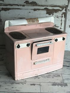 Vintage Pink Toy Stove - Little Lady Electric Oven - Heat Trol Electric Oven, Toy Kitchen, Me Clean, Vintage Children, Rustic Style, Vintage Pink, Stove, Kids Room, At Least