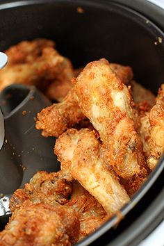Sweet and Spicy Chicken Wings Actifry - sweet and crispy chicken wingsActifry - sweet and crispy chicken wings Asian Chicken Wings, Crispy Chicken Wings, Fried Chicken, Actifry Chicken Wings, Korean Chicken, Healthy Chicken, Tefal Actifry, Air Fry Recipes, Cooking Recipes