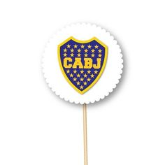 toppers personalizados de Boca Juniors Candy, Messi, Birthday Invitations, Invitation Cards, Food Cakes, Sweets, Candy Bars, Chocolates