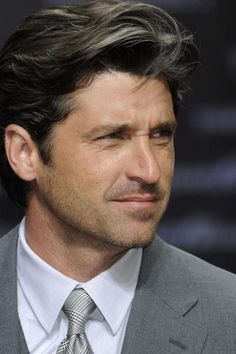 Patrick Dempsey = THE PERFECT MAN! 2011 photo sean gallup x transformers 3 germany premiere Ellen Pompeo, Patrick Dempsey Hair, Patrick Demsey, Serie Grey's Anatomy, Mens Medium Length Hairstyles, Derek Shepherd, Taylor Kinney, Guys And Dolls, Meredith Grey