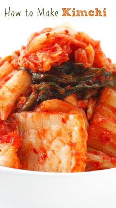 How to Make Kimchi: A Simple Recipe | www.fearlesseating.net #fermentedfoods