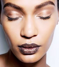 Love the rose-gold eye makeup trend? Click here for the best rose-gold shadows according to a celebrity makeup artist.