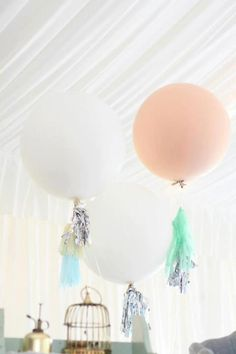 giant balloons and diy tissue streamers