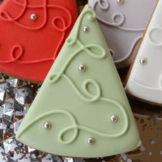 Simple Christmas Tree Cookies via Sweetsugarbelle2