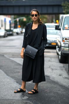 The first three things you need in your minimal wardrobe are 1) a great lightweight coat, 2) a great black handbag, and 3) a great pair of walking sandals. This outfit has them all.