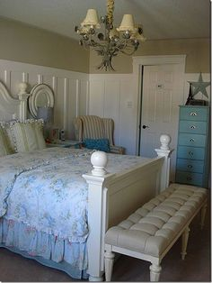 Shabby Chic Cottage Decor | Cottage, Shabby Chic and White Decor / board and batten