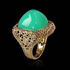 Mousson atelier, collection Rolling Stones, ring, Yellow gold 750, Chrysoprase 28,68 ct.