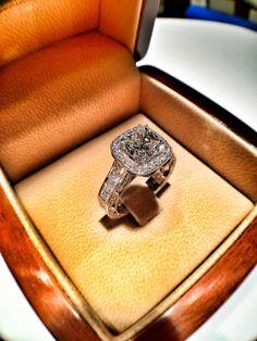 5.50 ct total weight, engagement ring! #thediamondstudio #jewellery #jewelry #diamonds #engagementring #engagement #wedding #weddingring